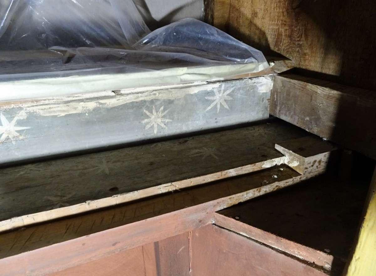 Descobreixen fragments d'un retaule a l'orgue de la Catedral de Solsona